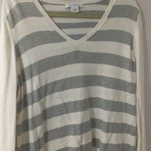 Cream and grey long sleeve v-neck sweater